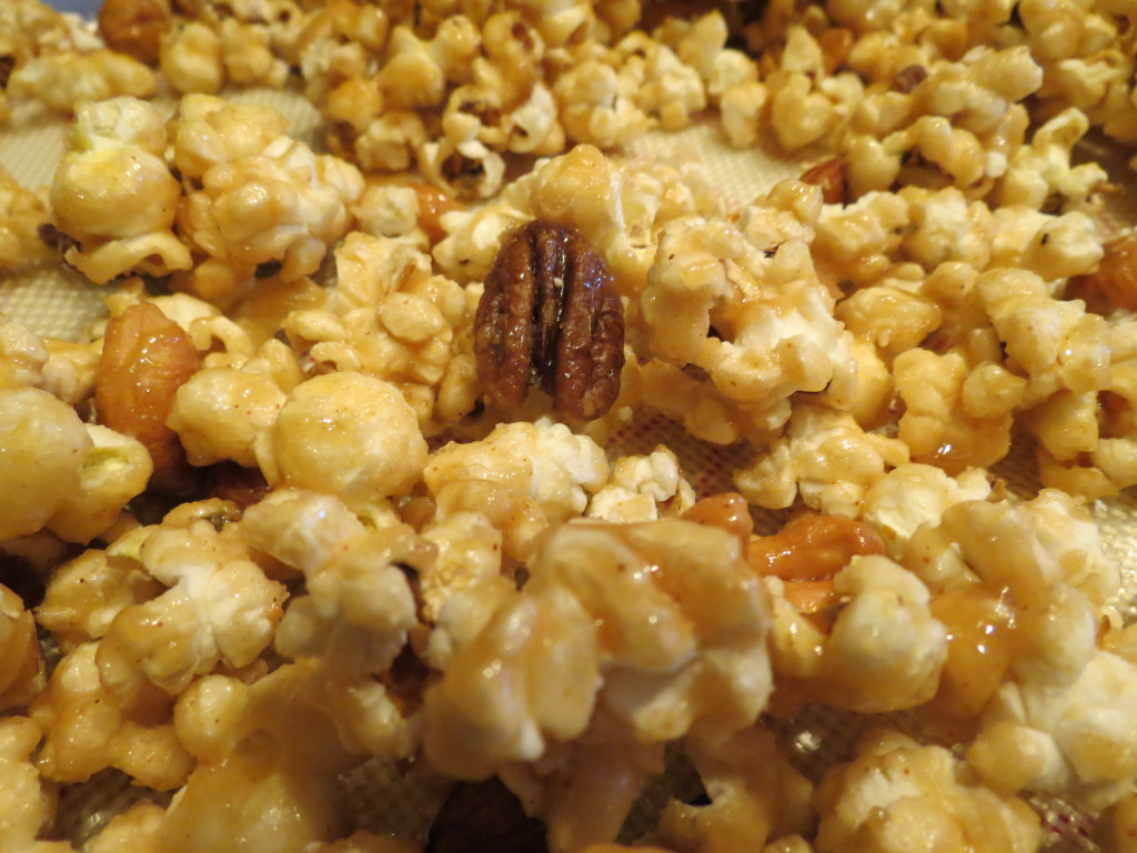 Spicy Caramel Popcorn with mixed nuts