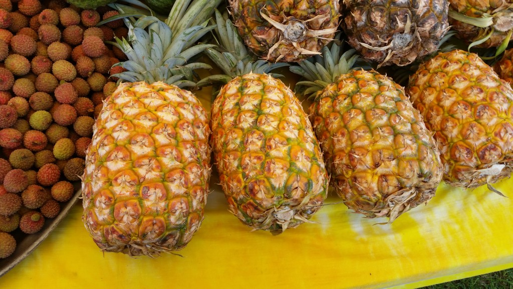 Pineapples ... my mouth is watering .