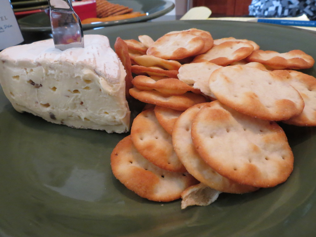 Lynda brought some yummy mushroom brie and crackers.